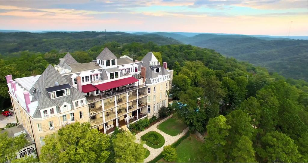1886 Crescent Hotel & Spa - Eureka Springs, Arkansas
