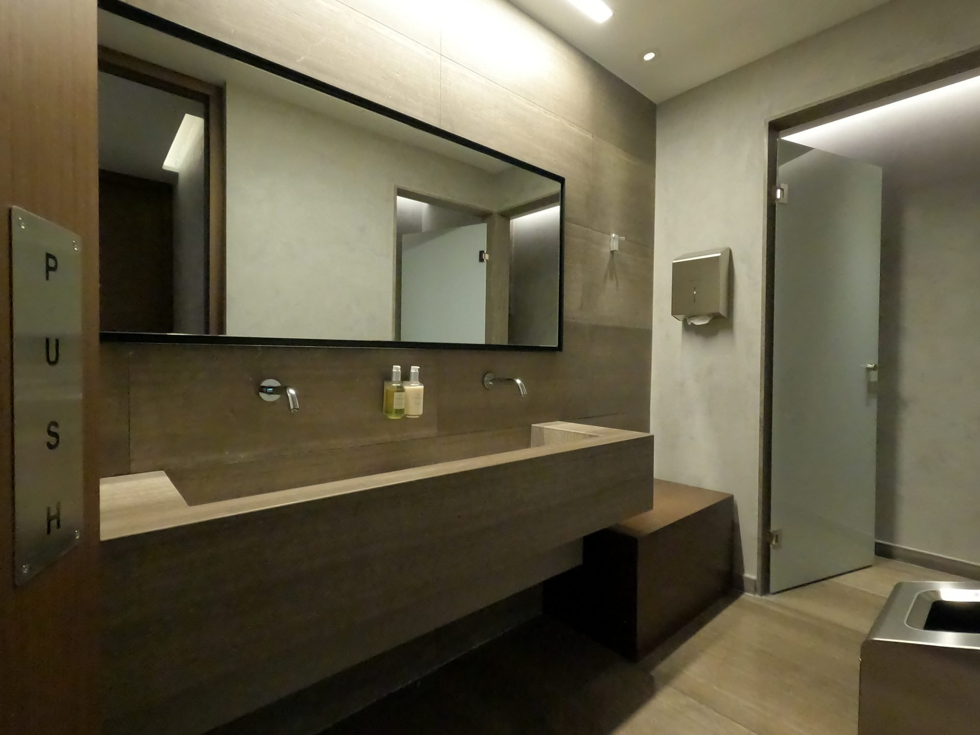 Locker room & restroom